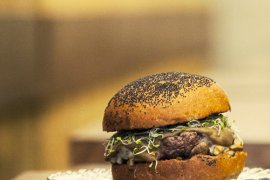 De Paula Hamburgueseria Poble Sec Barcelona burgers and craft beer